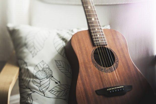 :ご近所付き合いは大切。部屋でギターを弾くための防音対策!